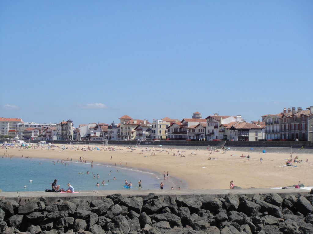 Saint jean de luz t2 nine downtown parking terrace 300m - Train biarritz to saint jean pied de port ...