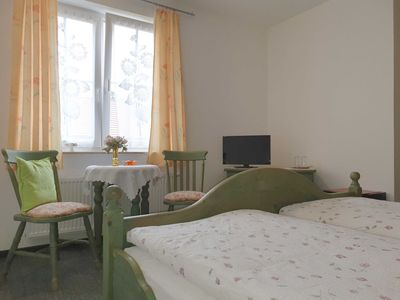 Photo for Double room 04: 21 m², 1-room, 2 persons, garden, WL - Pension Edelstein in Ostseebad Sellin