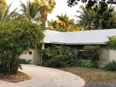 Photo for Tropical Spacious 5Bdr Home Near The Beach