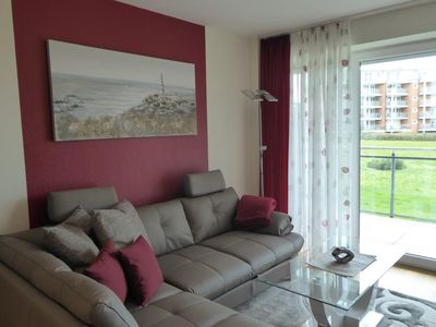 Photo for Strandpalais Apartment 4, no smoking, wifi, balcony, lake view, beach chair on the beach (seasonal)