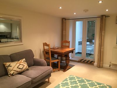 Photo for 1 bedroom courtyard apartment, Central Cheltenham