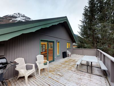 Photo for Convenient slope-side retreat, a short walk from lifts, the bike path, and more!