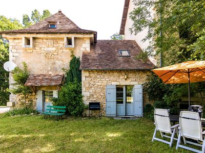 Photo for Romantic, restored pigeon loft with shared swimming pool near Chateau Mayac