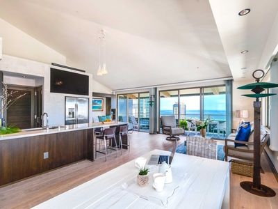 Photo for Sweeping 270 Degree Ocean and Waikiki Views from this Fabulous Penthouse!