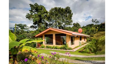 Encantada Guest House: Your own Little piece of Pura Vida! Sleeps 5