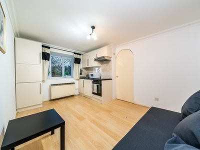 Photo for NEW Amazing 2 Bedroom Flat in New Barnet