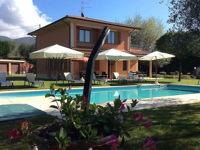 Photo for Situated in the Tuscany hills between Arezzo and Florence.