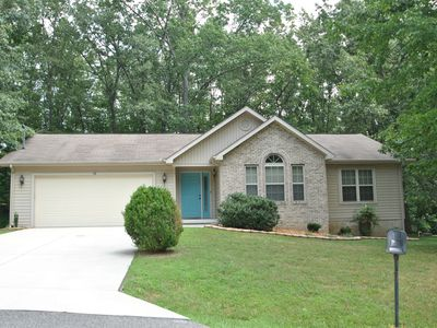 Photo for Great 3 bedroom 2 bath home in Fairfield Glade, close to the Lake!