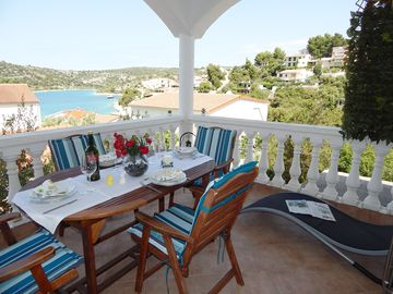 Search 4,013 holiday rentals