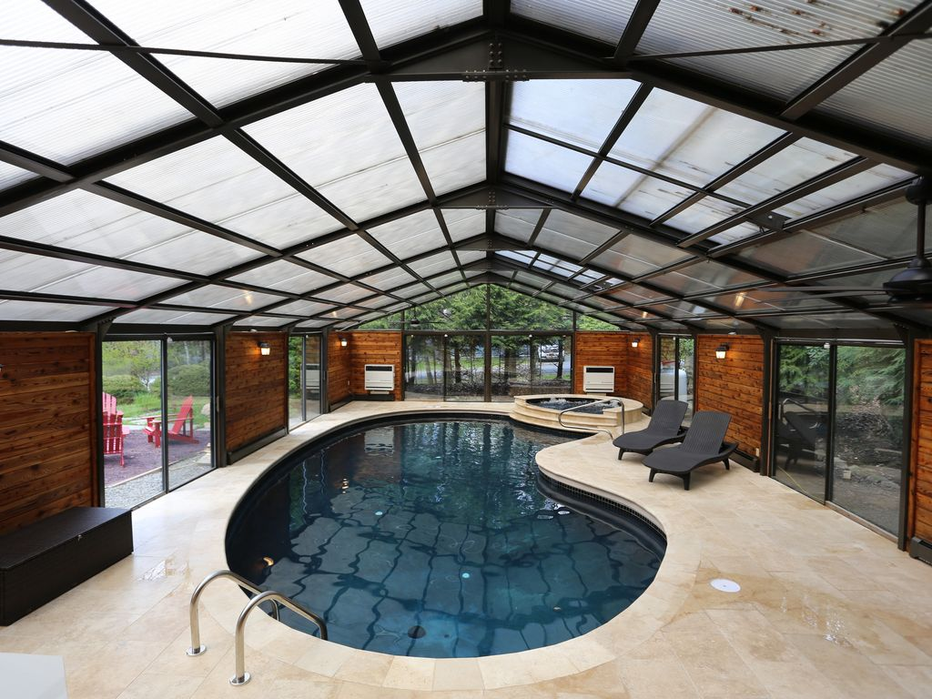 Yes your own private heated indoor swimming pool tobyhanna poconos pennsylvania rentbyowner for Pocono rental with private swimming pool