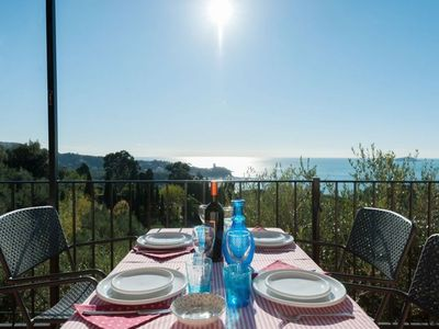 Photo for In private Med' parc, Sea View, pool, wifi, tennis and free garage in Lerici!