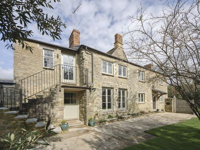 Photo for 2 bedroom accommodation in Middle Barton, near Chipping Norton