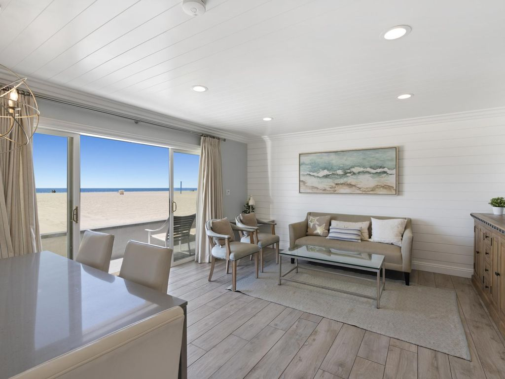 3308 W Oceanfront A Beautifully Remodeled Oceanfront