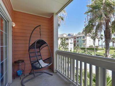 Photo for The Dawn 824-Sea n' Swim is 2/2 with ocean and pool views - sleeps 6!