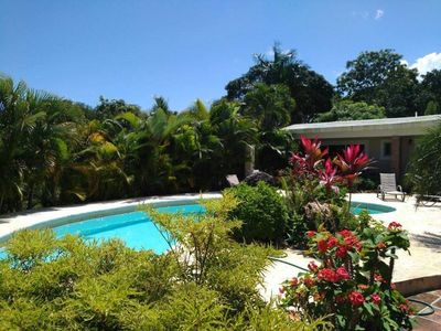 4BD VERY PRIVATE Villa with Pool, Outdoor BBQ, Cable TV/Wi-Fi, Tropical Garden