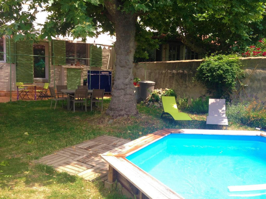 Garden With Swimming Pool house 8 pers with swimming pool, shops and subway walk, shaded garden -  12th arrondissement