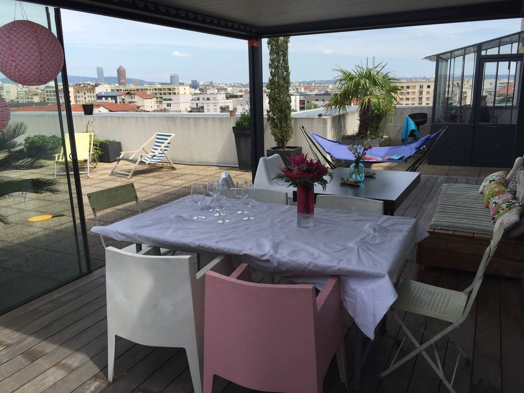 appartement terrasse avec vue sur tout lyon jean moulin marius berliet location de. Black Bedroom Furniture Sets. Home Design Ideas