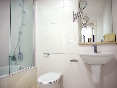 Photo for Apartment 1.3 km from the center of London with Lift, Internet, Washing machine (135919)