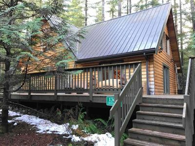 Photo for Vacation home 8MBR-Classic Log Cabin, Sleeps 8! in Mount Baker/Glacier - 8 persons, 3 bedrooms