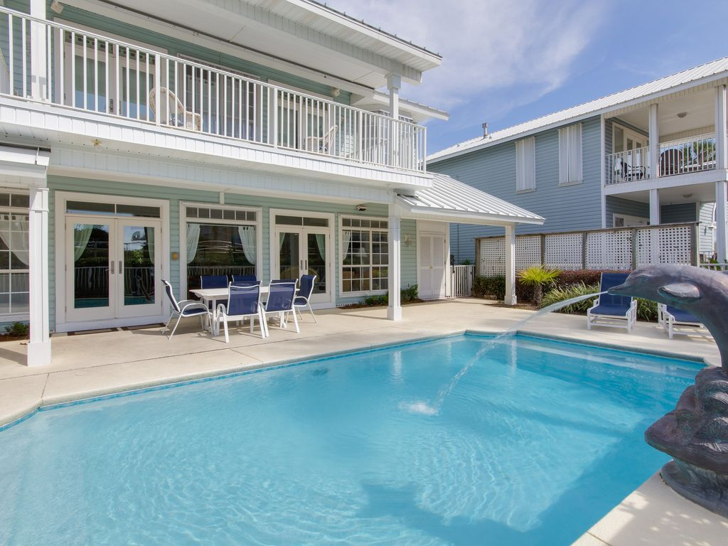 6 bedroom with gulf view in destin private pool across street from beach access destin florida for 9 bedroom house destin florida