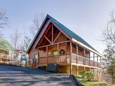 Photo for Tennessee Dreams| Magnificent Mountain Views| Dog-Friendly|Pool Table |Hot Tub |WiFi |Resort Pool