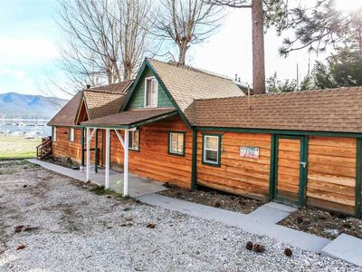 Photo for Monte Bear Lakefront - Lakefront Cabin! WiFi and Cozy Fireplace!