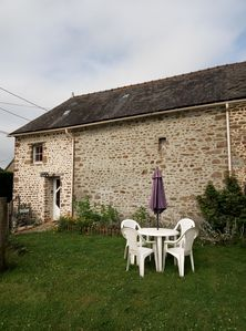 Photo for Small holiday cottage, 2/4 people, in the heart of the Mayenne countryside