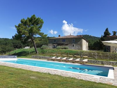 Photo for Tuscan villa on 14 ha of private land, with private swimming pool and 360 surrounding views