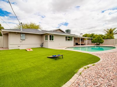 Photo for Modern and Stylish Home in Old Town Scottsdale w/Pool