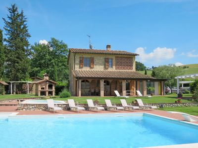 Photo for 4BR Villa Vacation Rental in Volterra