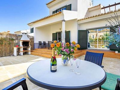 Photo for Vale do Garrao Villa, Sleeps 7 with Pool and WiFi