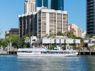 Photo for Apartment Hotel Surfers Paradise