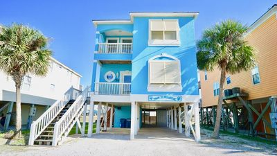 Photo for PET FRIENDLY !!  PRIVATE POOL, 5 MINUTES TO THE BEACH, NEWLY RENOVATED DECOR