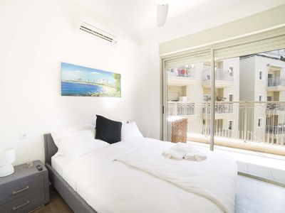 Photo for Spacious and relaxing apartment near the Beach