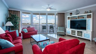 Photo for Bright & Cheery Three Bedroom Condo with Calming Bay Views