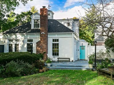 Photo for Charming Carriage House in New Rochelle