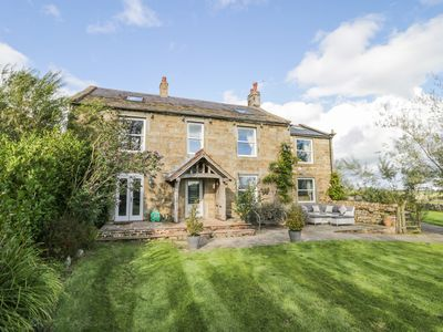 Photo for MEAGILL FARMHOUSE, pet friendly, with hot tub in Otley, Ref 991670
