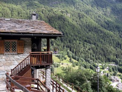 Photo for Quiet and cosy Chalet for rent with lake views, large balcony and outdoor parking