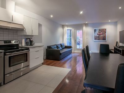 Photo for Apartment 1.2 km from the center of Montreal with Parking, Internet, Air conditioning, Terrace (908990)