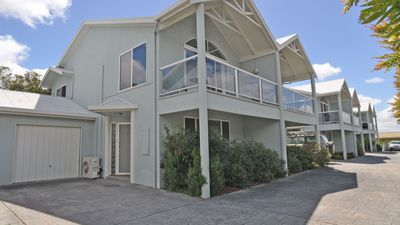Photo for Relax at The Reefs - beach house getaway