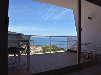 Photo for Apartment with sea views and easy access on foot, in a private urbanization