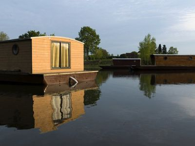 Photo for Toue Village Domaine des Demoiselles - Floating Hut in Anchorage 2 Rooms 2/5 Persons
