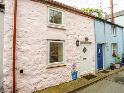 Photo for TY HYDREF, pet friendly, with a garden in Beaumaris, Ref 1009042