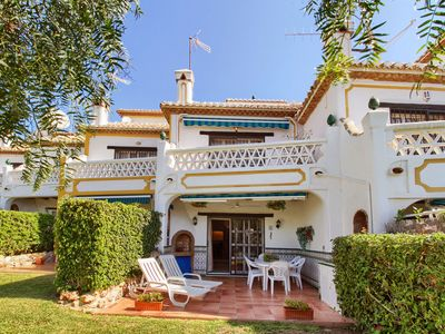 Photo for Nice holiday home within walking distance of the beach of Calahonda