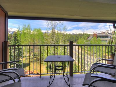 Photo for 1 Block to Main Street, Top Floor Unit, Ski-in, Indoor Complex Hot Tubs, Gas Fireplace