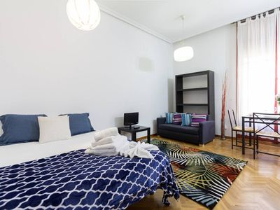 Photo for Main Square; Coquettish studio behind Sol. Ideal couples or single person. Wifi
