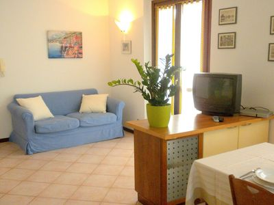 Photo for Residence and quiet residence with pool, 600m from the lake