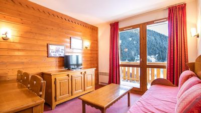 Photo for Wifi, 300m from resort center, fitness, swimming pool, sauna, parking, tv, ski locker, 32-36m²
