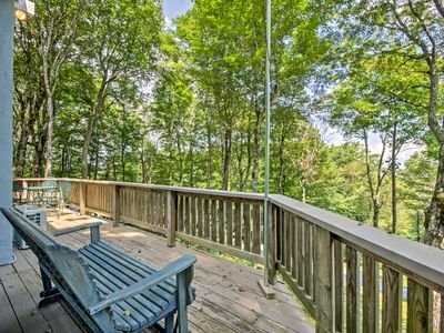 Photo for Modern Home w/Deck - 1 Mi to Beech Mountain Resort