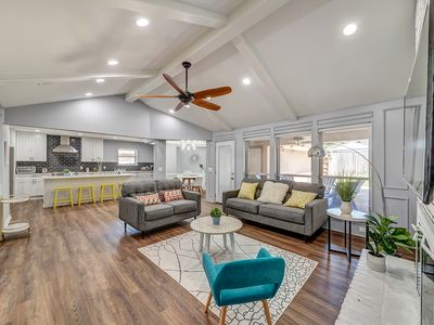 Photo for Perfect for family Spacious house in Central Carrollton, North Dallas